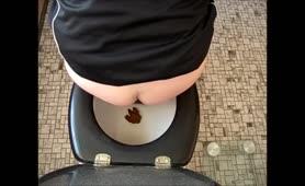 Tiny poop